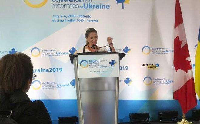 Tiếp tục viện trợ cho Kiev, Canada không công nhận hộ chiếu Nga cấp cho cư dân ở miền Đông Ukraine