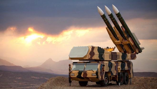 Tiêm kích tối tân nhất thế giới đã áp sát: Iran biết sợ đi là vừa? - Ảnh 1.