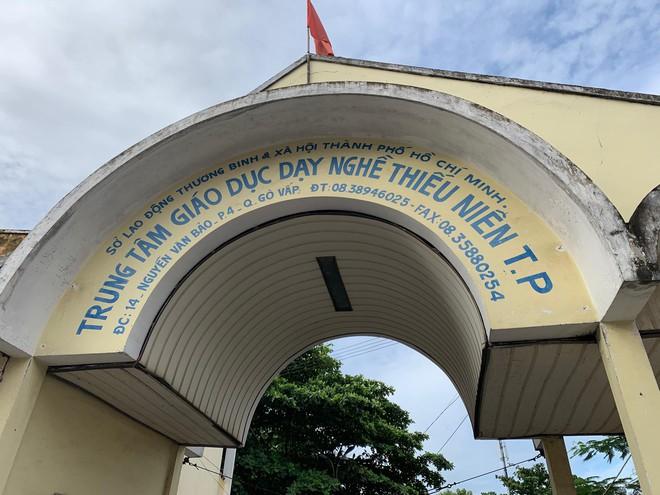 Người cha ở Sài Gòn ôm con khóc trong hạnh phúc sau hơn 4 tháng tìm kiếm mỏi mòn - Ảnh 3.