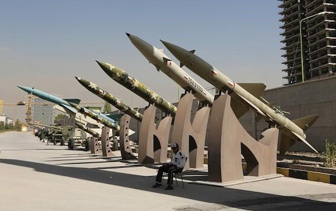 Vượt giới hạn urani làm giàu, Iran đã tiến gần bom hạt nhân? - Ảnh 6.