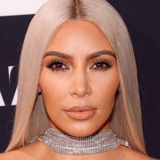 Chuyện quái dị về người phụ nữ hơn 40 năm không hé răng cười và bí mật chiêu làm đẹp không tốn 1 xu đến Kim Kardashian cũng muốn học tập - Ảnh 8.