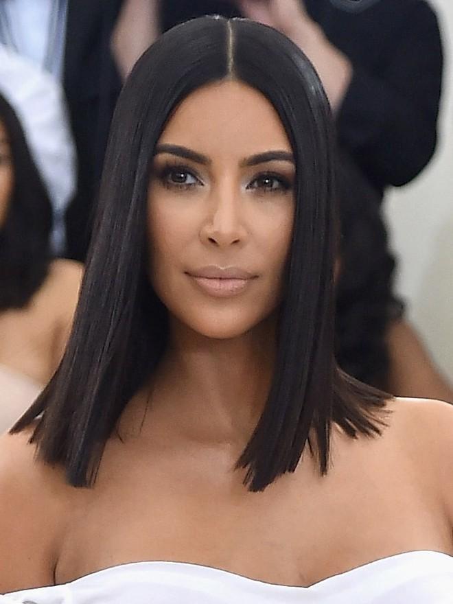 Chuyện quái dị về người phụ nữ hơn 40 năm không hé răng cười và bí mật chiêu làm đẹp không tốn 1 xu đến Kim Kardashian cũng muốn học tập - Ảnh 11.