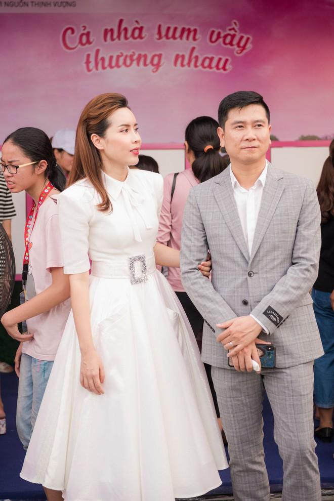 Vợ chồng Lưu Hương Giang - Hồ Hoài Anh thu hút sự chú ý tại sự kiện - Ảnh 7.