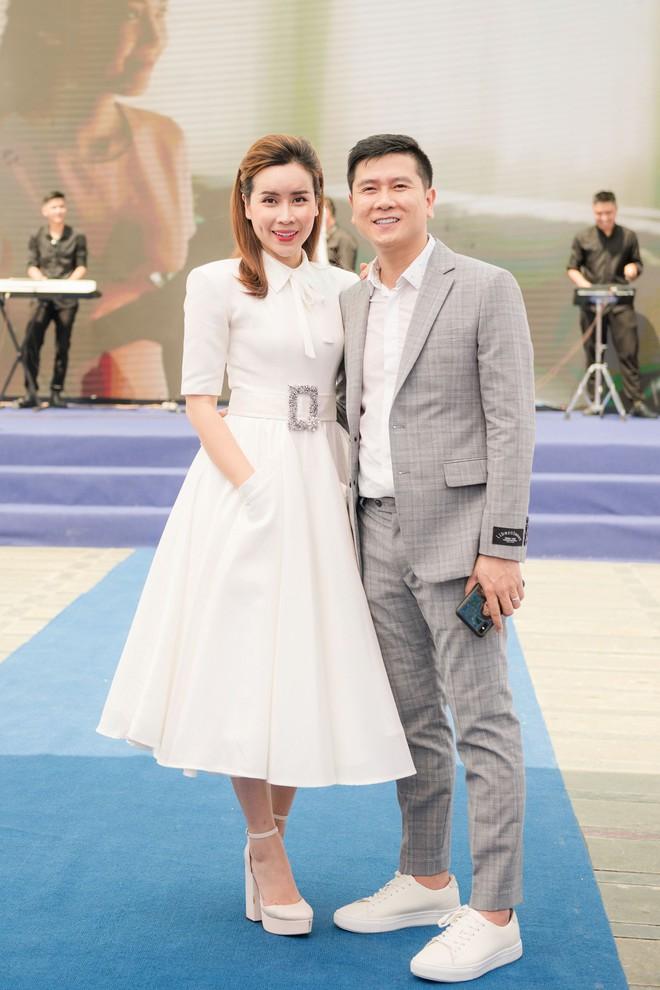 Vợ chồng Lưu Hương Giang - Hồ Hoài Anh thu hút sự chú ý tại sự kiện - Ảnh 2.