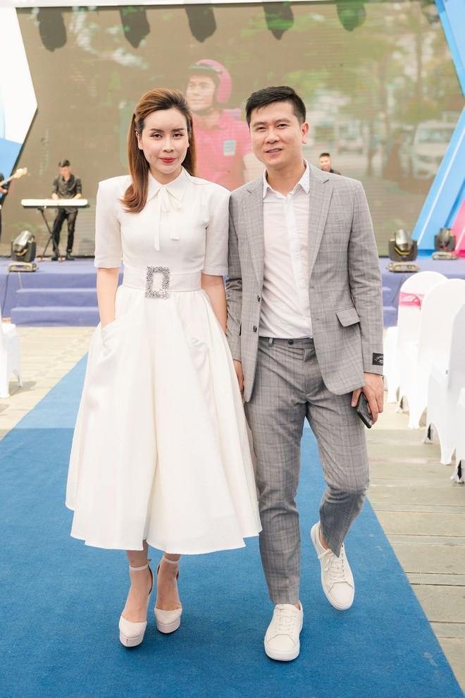 Vợ chồng Lưu Hương Giang - Hồ Hoài Anh thu hút sự chú ý tại sự kiện - Ảnh 1.