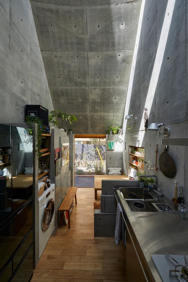 Không hổ danh là thiết kế của Nhật, ngôi nhà 19m² nhỏ xíu này gần như không có một điểm trừ trong thiết kế và bài trí - Ảnh 3.
