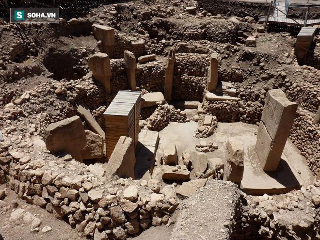 Bí ẩn công trình cự thạch khổng lồ trên Trái Đất, thách thức nhà khoa học hàng thế kỷ - Ảnh 2.