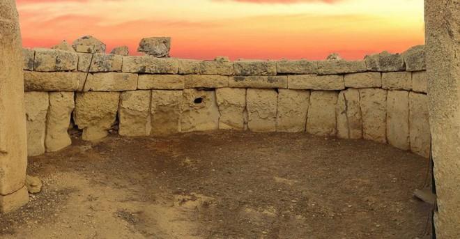 Bí ẩn công trình cự thạch khổng lồ trên Trái Đất, thách thức nhà khoa học hàng thế kỷ - Ảnh 9.