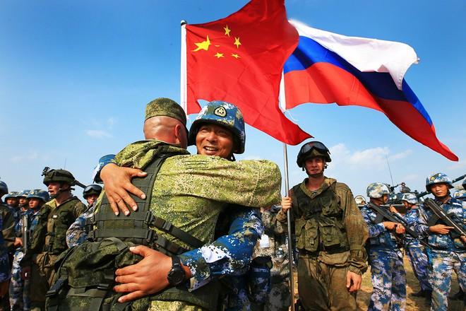 Rồng Trung Quốc trỗi dậy, sức mạnh quân sự ngày càng đáng gờm: Liệu Nga có lo sợ? - Ảnh 1.