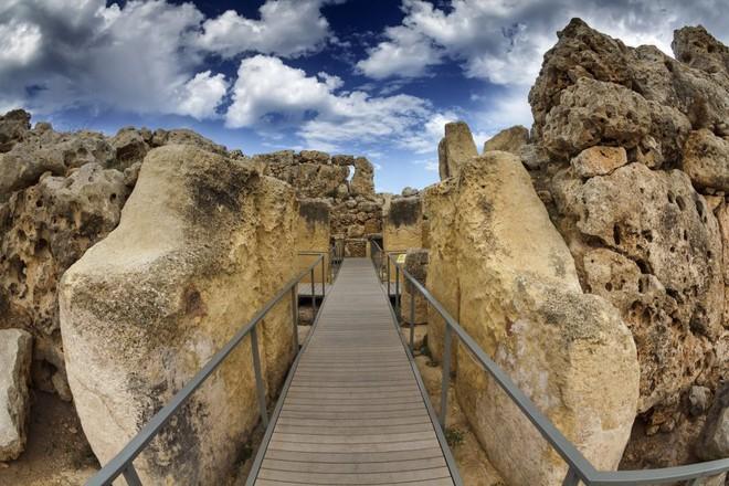 Bí ẩn công trình cự thạch khổng lồ trên Trái Đất, thách thức nhà khoa học hàng thế kỷ - Ảnh 5.
