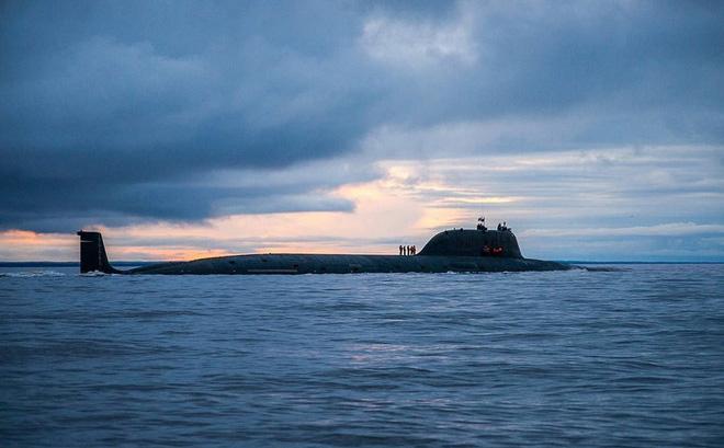 """Tàu ngầm tuyệt mật Nga bốc cháy thảm khốc: Lộ danh tính bí ẩn của """"tàu ngầm mẹ""""?"""