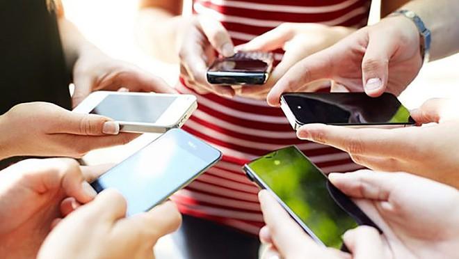 9 năm: Điện thoại di động khai tử 75% thuê bao điện thoại cố định - Ảnh 1.
