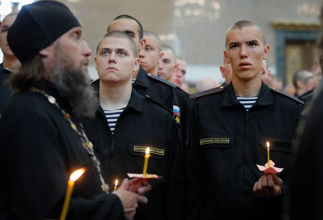 Tàu ngầm Nga vừa tránh được tai nạn kinh hoàng: Bộ trưởng QP Sergei Shoigu tiết lộ lý do - Ảnh 1.
