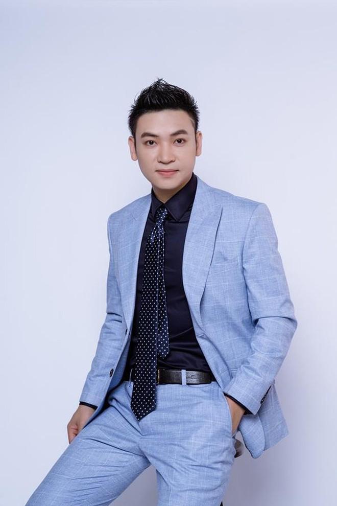 Ca sĩ Duy Khoa gây sốc khi trích dẫn nhận xét nhạc Sơn Tùng nghe như đấm vào tai - Ảnh 2.