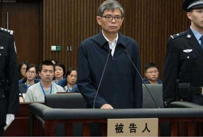 Lãnh đạo công ty đóng tàu sân bay Trung Quốc lĩnh án 12 năm tù - Ảnh 1.