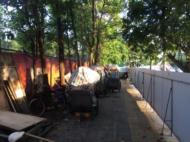 Vụ chặn xe chở rác vào bãi rác Nam Sơn: Không dọn thì dân mắng chửi - Ảnh 6.