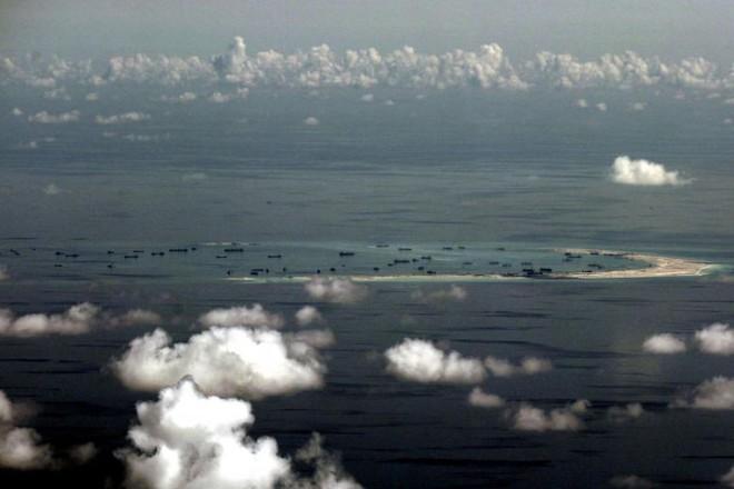 880 triệu USD/năm và hơn thế: Biển Đông oằn mình hứng chịu thiệt hại khủng khiếp do các hoạt động của TQ - Ảnh 2.