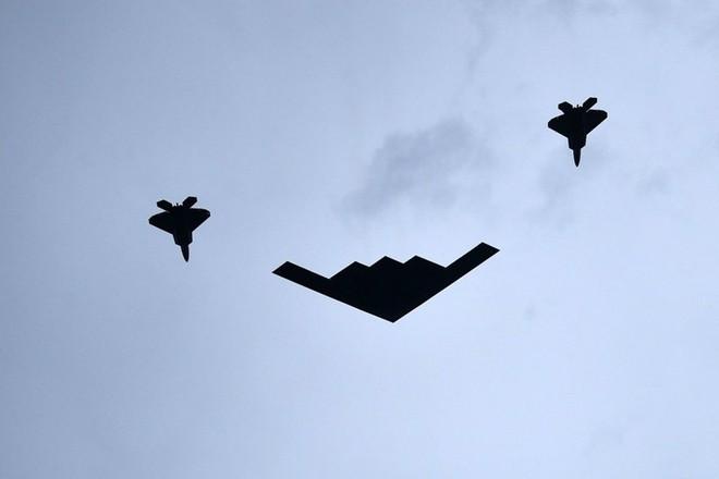 """Mỹ khoe dàn vũ khí """"khủng"""" trong ngày Quốc khánh - Ảnh 3."""