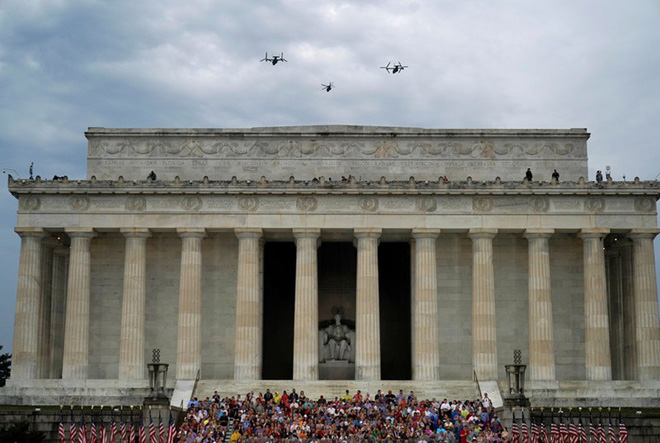 """Mỹ khoe dàn vũ khí """"khủng"""" trong ngày Quốc khánh - Ảnh 6."""