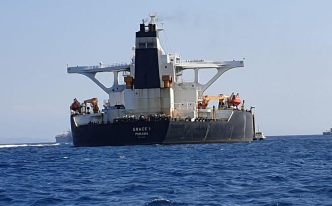 """Diễn biến bất ngờ: Truyền thông Iran nói tàu dầu bị bắt có liên quan đến Nga - Liệu Moskva có """"ra mặt""""?"""