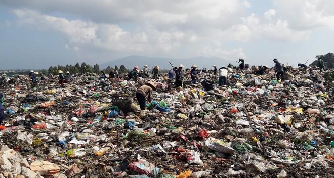 [Nóng] Giám đốc Sở TNMT Đà Nẵng nói ô nhiễm do người nhặt rác, dân bức xúc: Tôi là người nhặt rác đây...! - Ảnh 3.