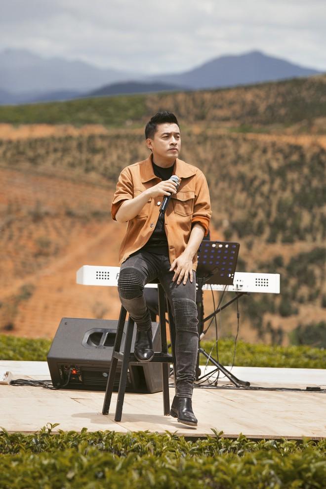 Sau hơn 20 năm, Lam Trường hát lại ca khúc đặc biệt để tặng chị hàng xóm - Ảnh 1.