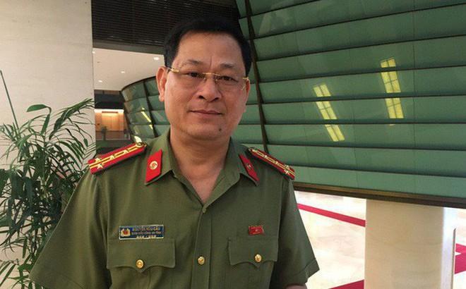 Chủ Tịch Nước Phong Tướng Cho Giam đốc Cong An Nghệ An Nguyễn Hữu Cầu