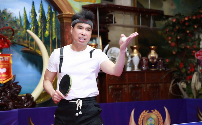 Ngọc Sơn chi hơn 300 triệu để biến phòng khách thành sân bóng bàn, thi đấu với nhiều cao thủ