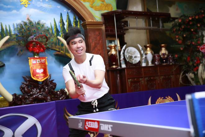 Ngọc Sơn chi hơn 300 triệu để biến phòng khách thành sân bóng bàn, thi đấu với nhiều cao thủ - Ảnh 4.