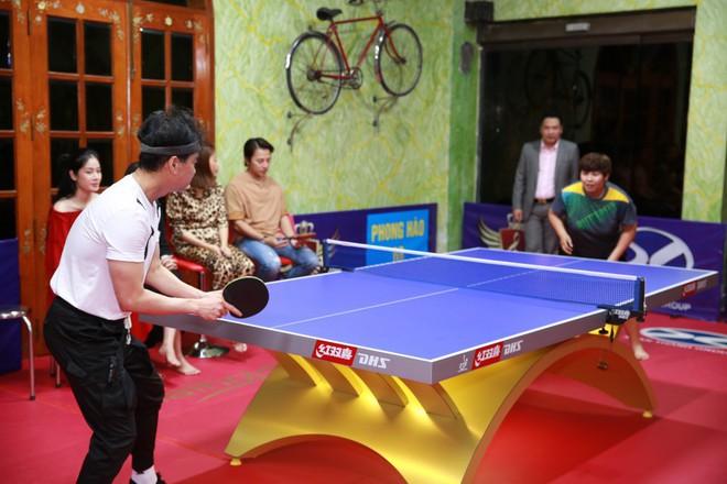Ngọc Sơn chi hơn 300 triệu để biến phòng khách thành sân bóng bàn, thi đấu với nhiều cao thủ - Ảnh 6.