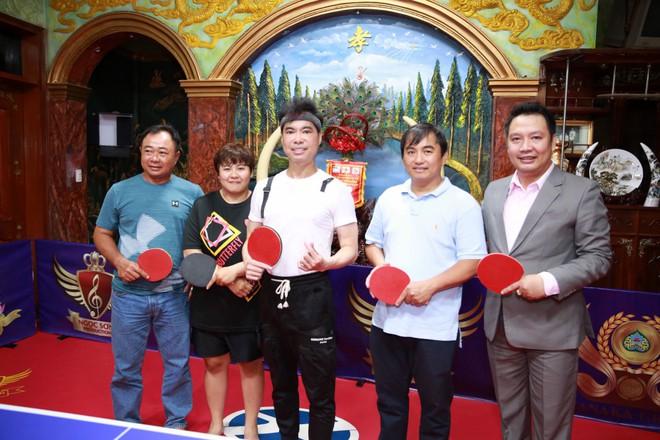 Ngọc Sơn chi hơn 300 triệu để biến phòng khách thành sân bóng bàn, thi đấu với nhiều cao thủ - Ảnh 7.