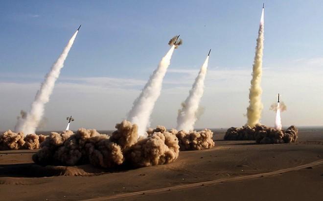 Giáo chủ Iran đe dọa: Chỉ một quả tên lửa tấn công sẽ thổi bay Israel đi 200 lần!