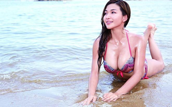 Nhan sắc bốc lửa của mỹ nhân TVB bị lộ ảnh nóng, từ chối đại gia bao nuôi với giá 23 tỷ