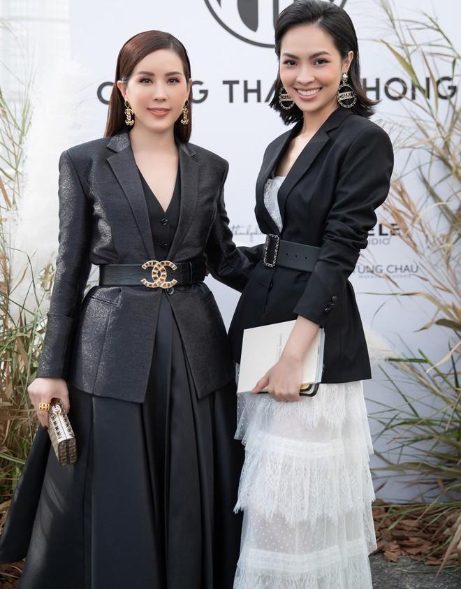 Hoa hậu Thu Hoài mặc thanh lịch, vui vẻ hội ngộ Kim Phượng trong sự kiện  - Ảnh 8.