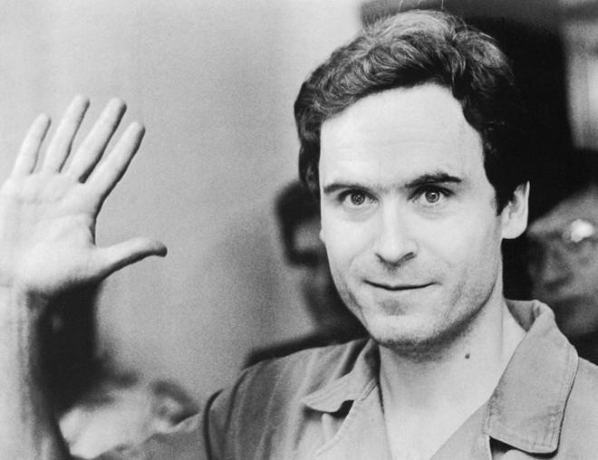 Ted Bundy: Đằng sau vẻ đẹp trai của sinh viên luật tài hoa là tên sát nhân khét tiếng, giết hơn 30 cô gái có ngoại hình giống bạn gái cũ - Ảnh 2.