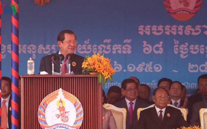 Thủ tướng Hun Sen hủy bỏ toàn bộ các cuộc gặp để đi khám bệnh