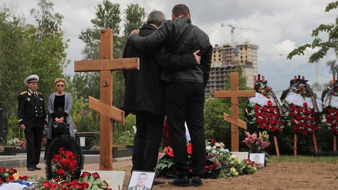 Hé lộ vị trí chôn cất đặc biệt của 14 thủy thủ tàu ngầm Nga - Ảnh 2.