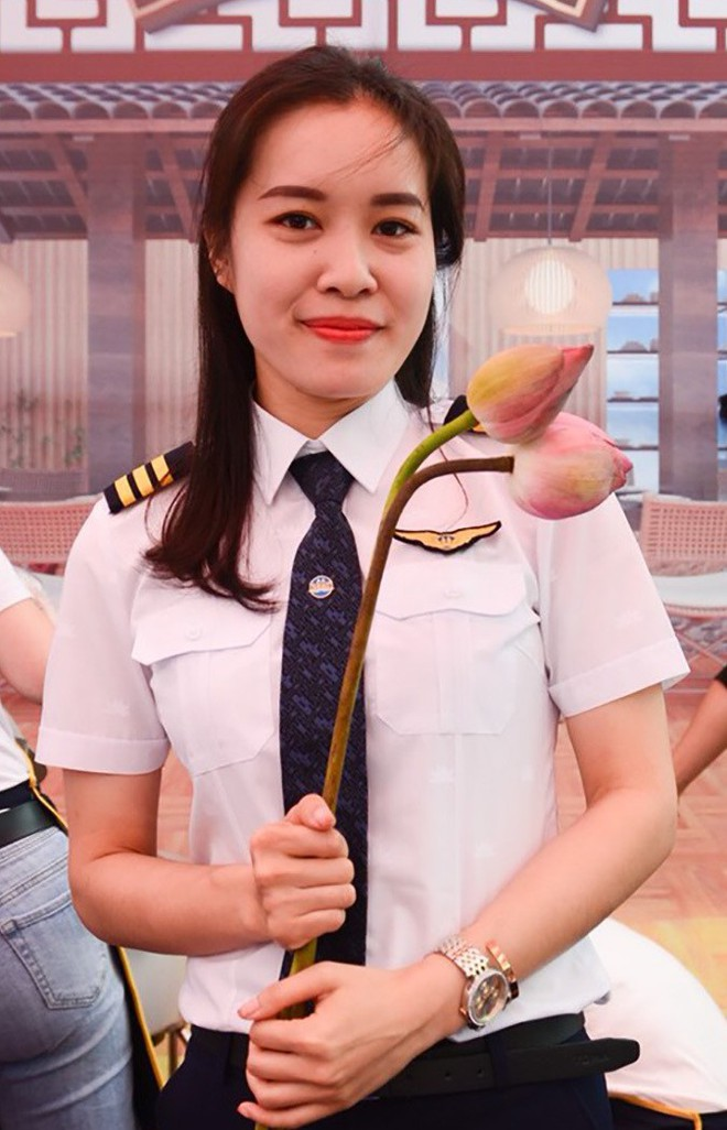 Nữ cơ phó 9x xinh đẹp: Từng không nghĩ sẽ làm phi công - Ảnh 4.
