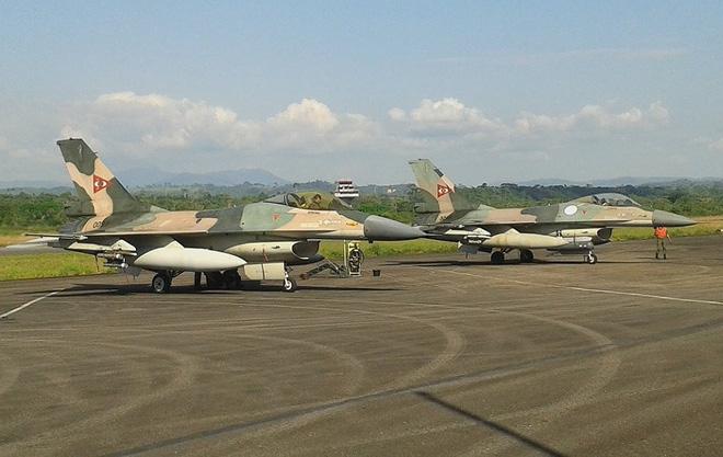 Chiến đấu cơ F-16 bay trên bầu trời Venezuela trong ngày quốc khánh - Ảnh 5.