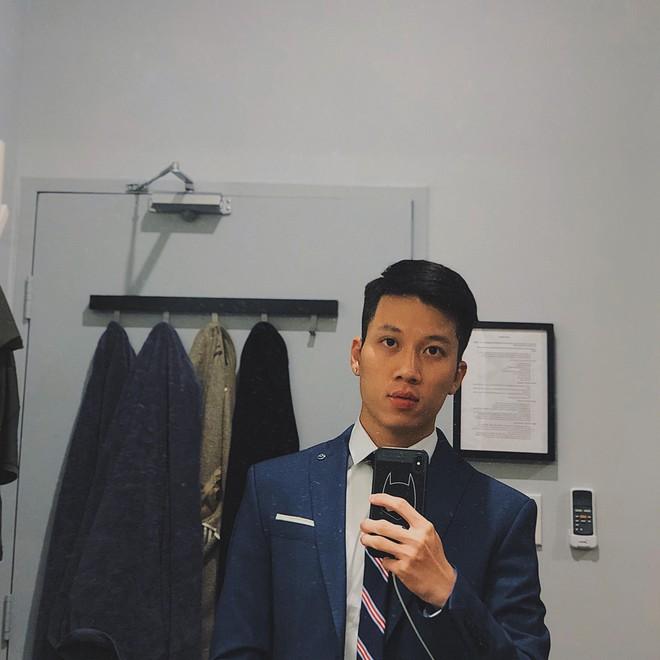 Thầy giáo Việt hot nhất MXH những ngày qua: Đẹp trai cao ráo như người mẫu, là thạc sĩ Ngôn ngữ tại Úc - Ảnh 3.