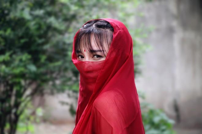 Lý Tử Thất trả lời độc quyền báo Việt Nam, hé lộ cuộc sống thực sau những hình đẹp như tiên cảnh - Ảnh 3.