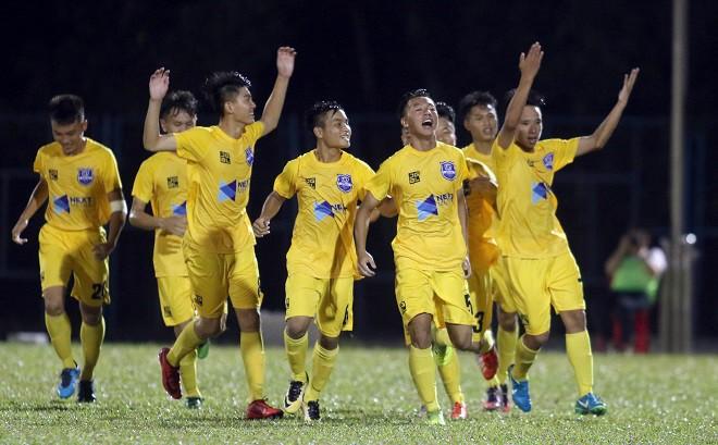 Gục ngã trước Thanh Hóa, đàn em Công Phượng lỡ hẹn trận chung kết