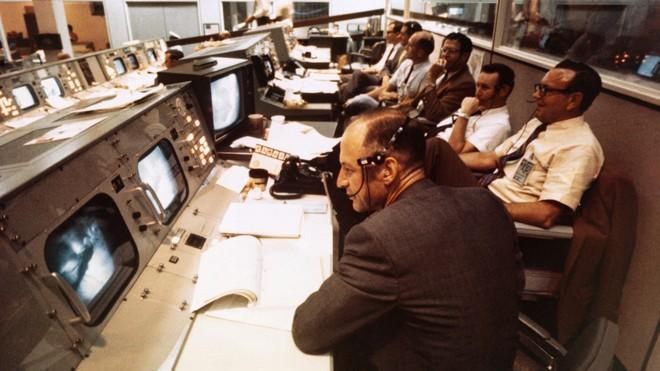 5 thời khắc kinh hoàng nhất trong sứ mệnh đổ bộ Mặt Trăng vĩ đại của Mỹ - Ảnh 4.