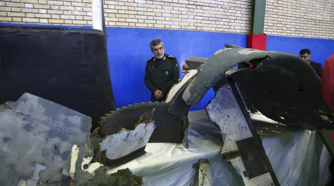 Mỹ lật con bài cuối với Iran: Hai chiếc xe tăng đang đâm thẳng vào nhau, ai sẽ bẻ lái? - Ảnh 2.