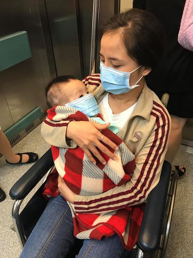 Thanh Lam, Trọng Tấn, Tùng Dương cùng loạt sao Việt chung tay giúp đỡ con trai đồng nghiệp đang ở giữa ranh giới sinh tử vì mắc bệnh hiếm - Ảnh 2.
