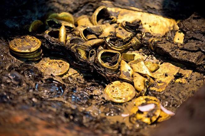 Khai quật mộ cổ 2000 năm của hoàng đế tại vị 27 ngày, giới khảo cổ sửng sốt hoàn toàn - Ảnh 6.
