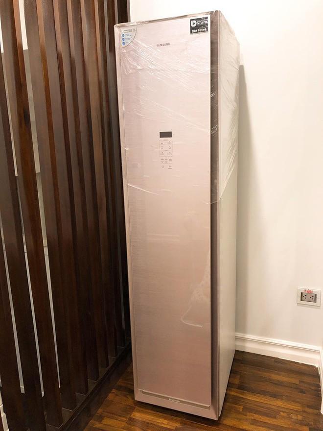 Hotmom Hằng Túi lại khiến chị em trầm trồ khi khoe trọn tủ đồ siêu to khổng lồ trong biệt thự mới - Ảnh 7.