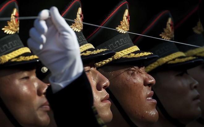 24h qua ảnh: Tiêu binh Trung Quốc căng dây chỉnh đốn hàng ngũ