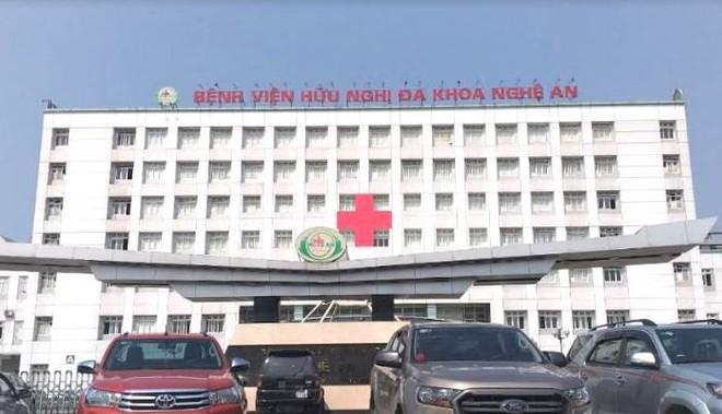 6 bệnh nhân sốc khi chạy thận tại Nghệ An, hơn 130 người phải chuyển viện - Ảnh 2.