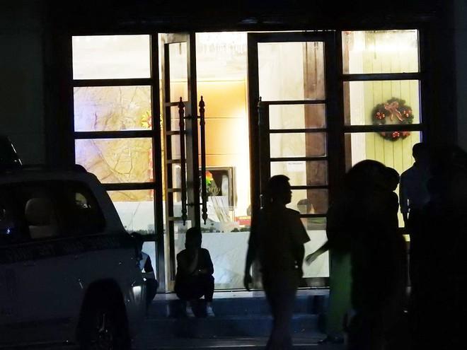 Cận cảnh quá trình dẫn độ gần 400 nghi phạm Trung Quốc về nước lúc 3h sáng - Ảnh 5.
